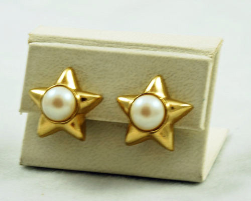 Richelieu Gold Star Earrings Signed