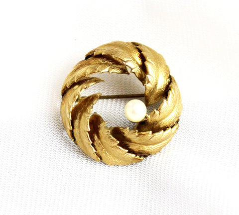 Winard Gold Filled & Pearl Wreath Pin