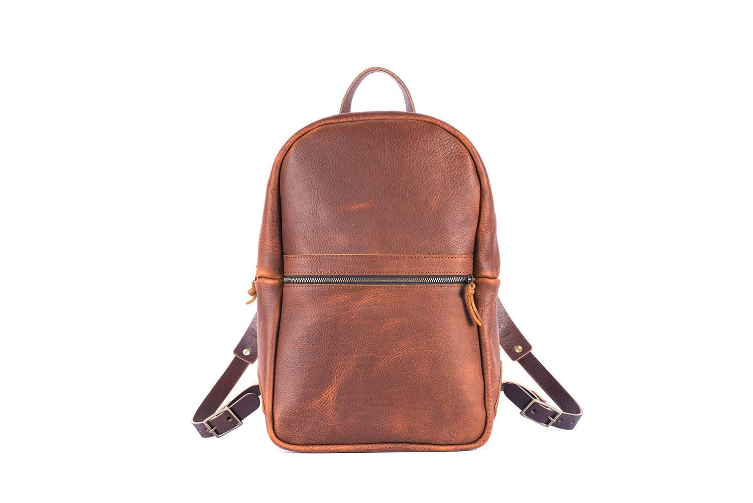 CLASSIC ZIPPERED LEATHER BACKPACK