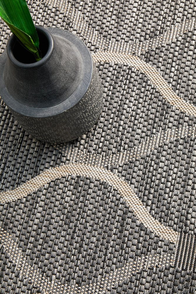 TERRACE Black Classic Pattern OUTDOOR RUG - Razzino Furniture
