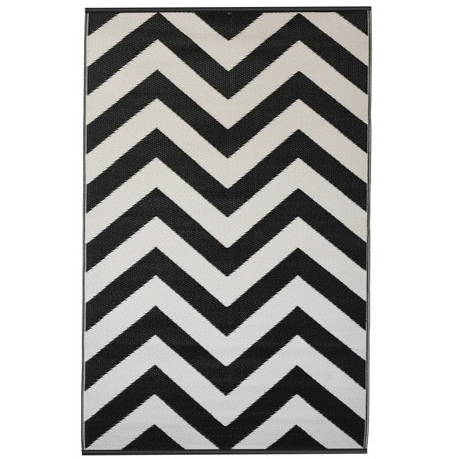 Eco Outdoor Rug - Chevron - Black & White - Razzino Furniture