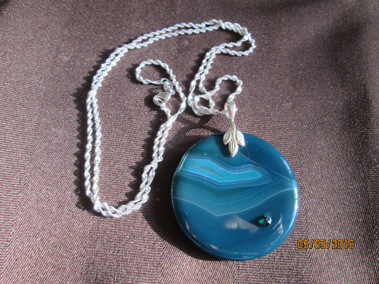 Beautiful Blue/Green Onyx Agate Round Pendant                             P-004 - Birthstones and More