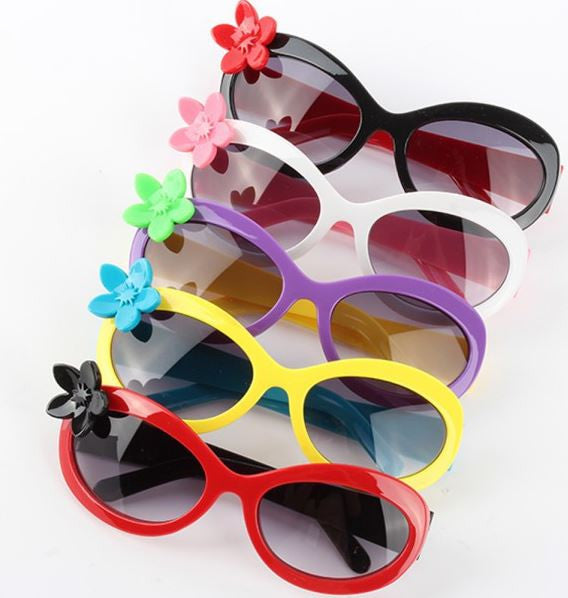 Youth 3D Flower Sunglasses (to match Mom's)
