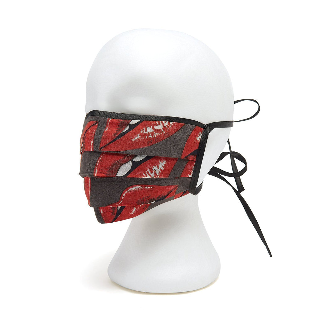Silk Face Cover - Pleated Lips Print