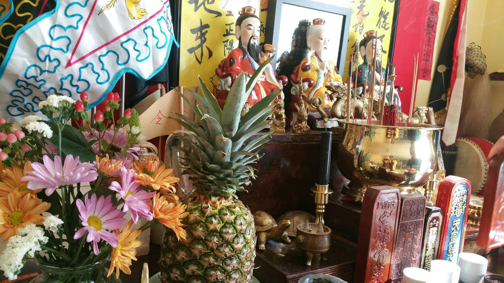 Food offering on taoist altar