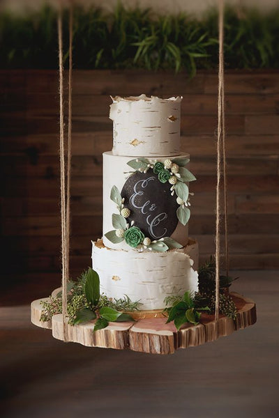 Wedding Trend: Hanging Cakes