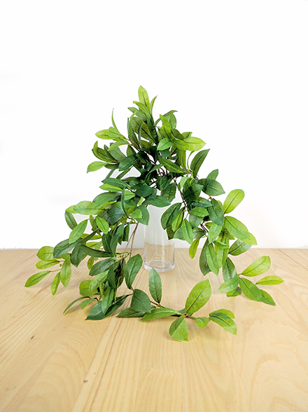 LAUREL LEAF HANGING BUSH GF80039S