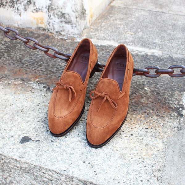 STRING LOAFER IN MID BROWN SUEDE