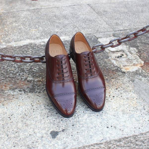 ARTISTA Semi Brogue Balmoral in Vegano Dark Brown