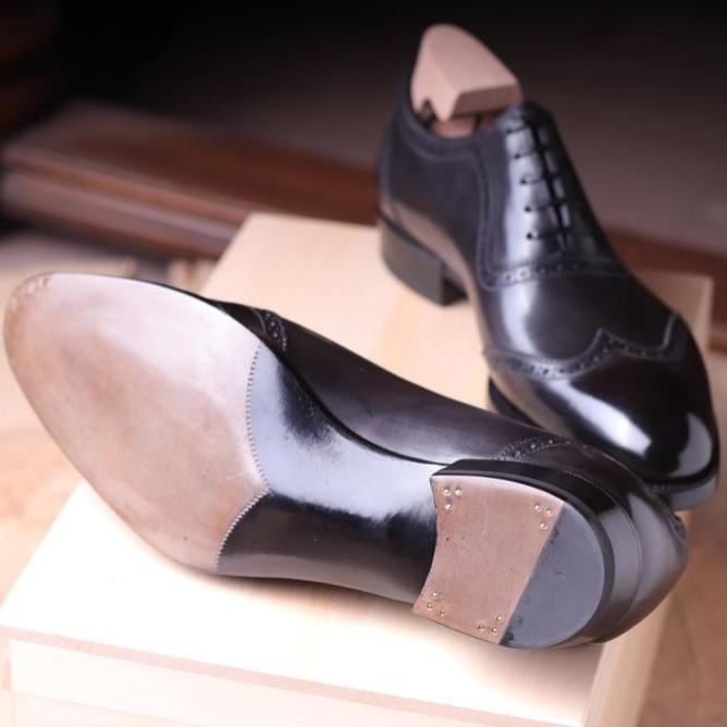 NASSIM OXFORD IN ANTHRACITE MUSEUM