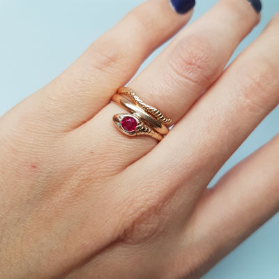 VINTAGE RUBY AND DIAMOND GOLD SNAKE RING
