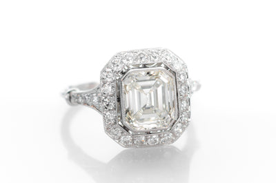 2.61CTW EMERALD CUT DIAMOND RING