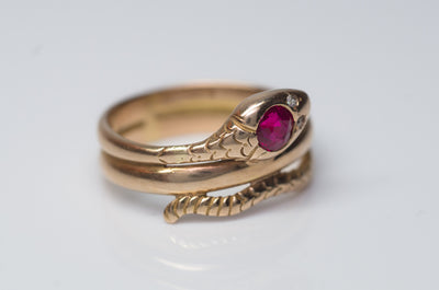 VINTAGE RUBY AND DIAMOND GOLD SNAKE RING - SinCityFinds Jewelry