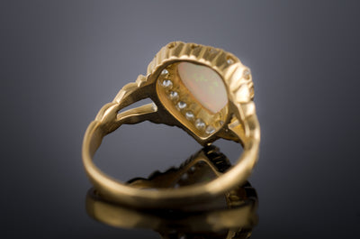 18k YELLOW GOLD HEART SHAPPED OPAL RING - SinCityFinds Jewelry