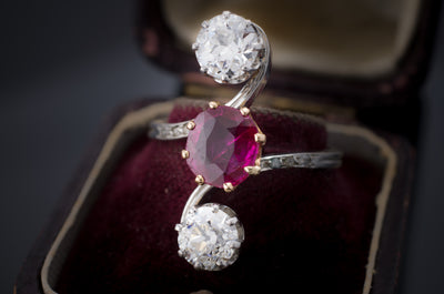 VINTAGE RUBY AND DIAMOND PLATINUM RING - SinCityFinds Jewelry