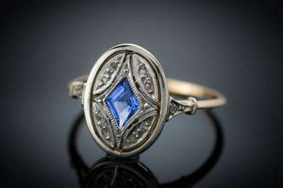 ANTIQUE KITE CUT SAPPHIRE AND DIAMOND RING - SinCityFinds Jewelry