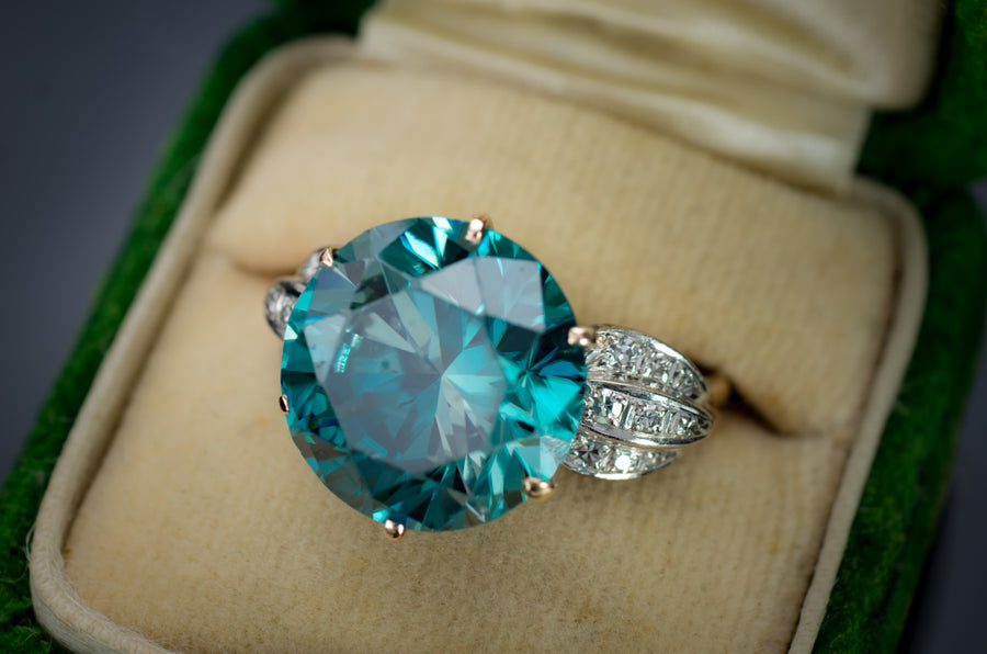 VINTAGE LARGE ZIRCON AND DIAMOND RING