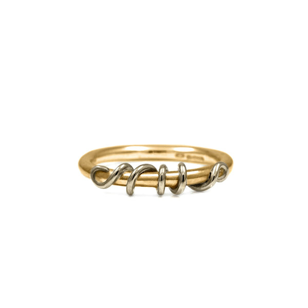 Tendril ring in 9ct gold