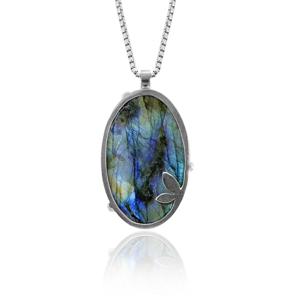 Spring necklace with labradorite