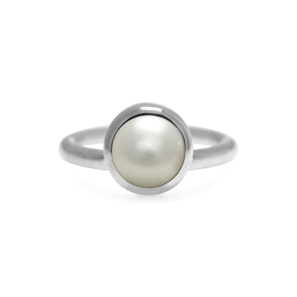Sterling silver and white pearl solo ring