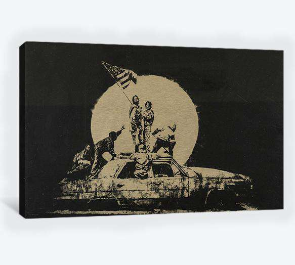 Banksy gold flag - Canvas print
