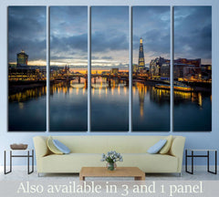 A view from the london №555 - canvas print wall art by Zellart