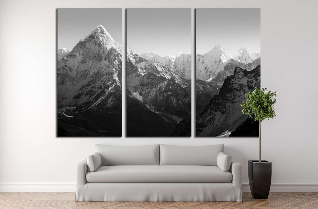 Spectacular mountain scenery on the Mount Everest Base Camp trek through the Himalaya №2702 Ready to Hang Canvas Print
