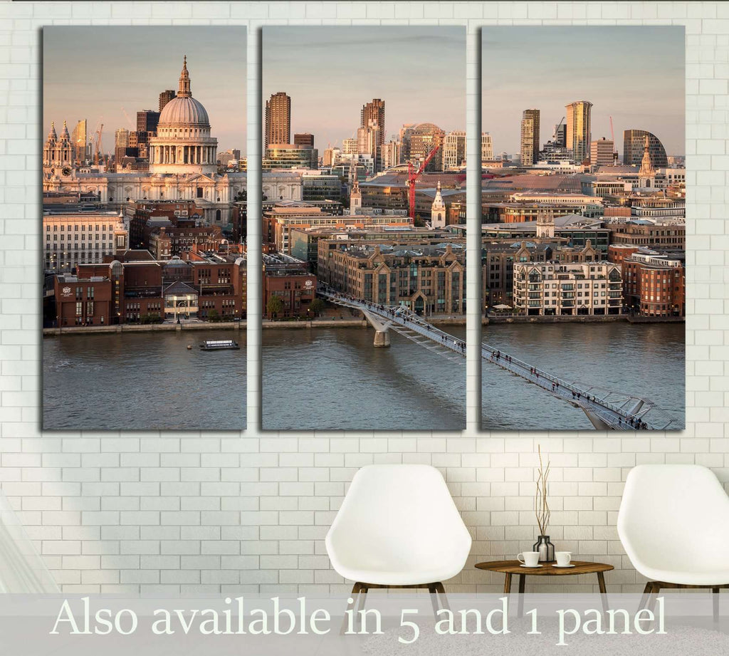 St. Paul's Cathedral and the City of London skyline №2972 Ready to Hang Canvas Print