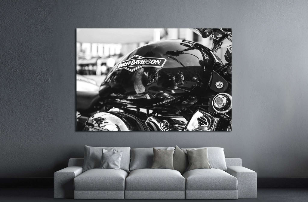 ST PETERSBURG, RUSSIA, Motorcycle Harley Davidson №1885 Ready to Hang Canvas Print