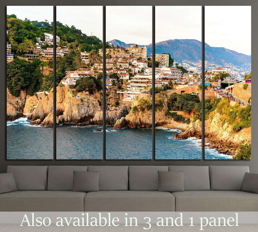 The rock La Quebrada, one of the most famous tourist attractions in Acapulco, Mexico №2395 Ready to Hang Canvas Print