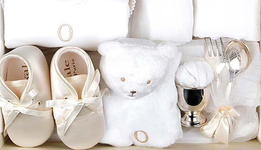 Beautiful Baby Shower Gifts for Mother and Child