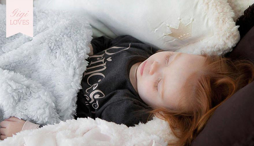Gigi Loves - Warm, Cosy Clothing and Blankets by Barefoot Dreams