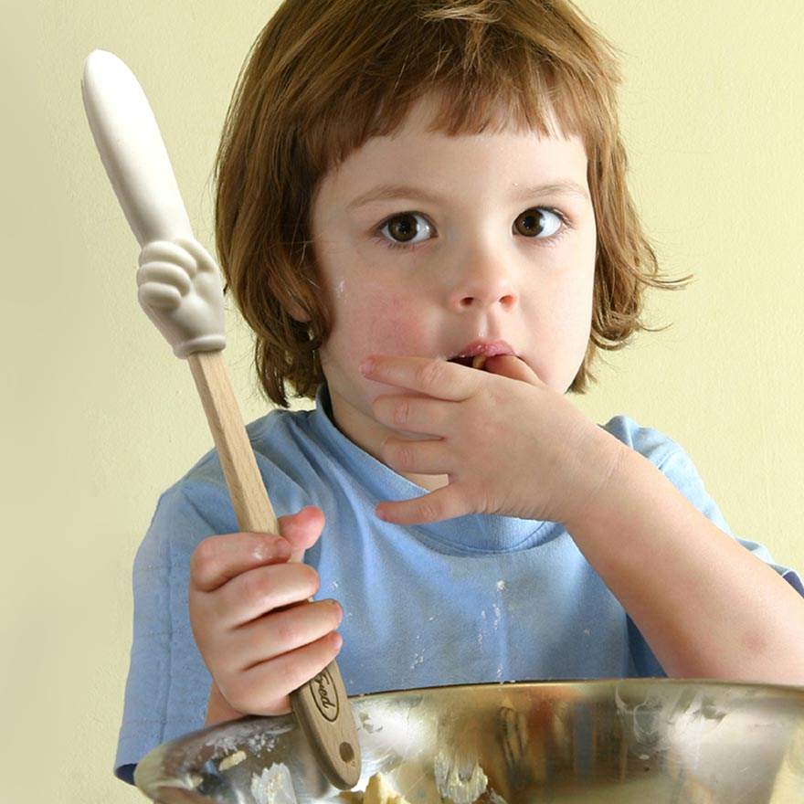 Simple Tips for Baking with Children