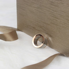 Luxury Curved Mirror Ring - Oohlalaa Hosiery!