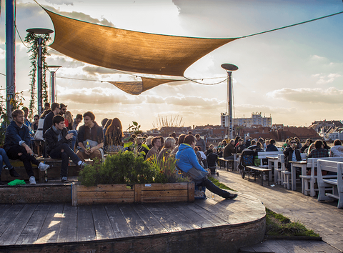 Klunkerkranich Berlin Neukölln Techno rooftop bars sommer 2017 Cocktail Party