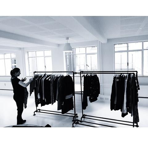 Outstanding Noise Pr Showroom Clothes Racks By Rackbuddy Download Free Architecture Designs Scobabritishbridgeorg
