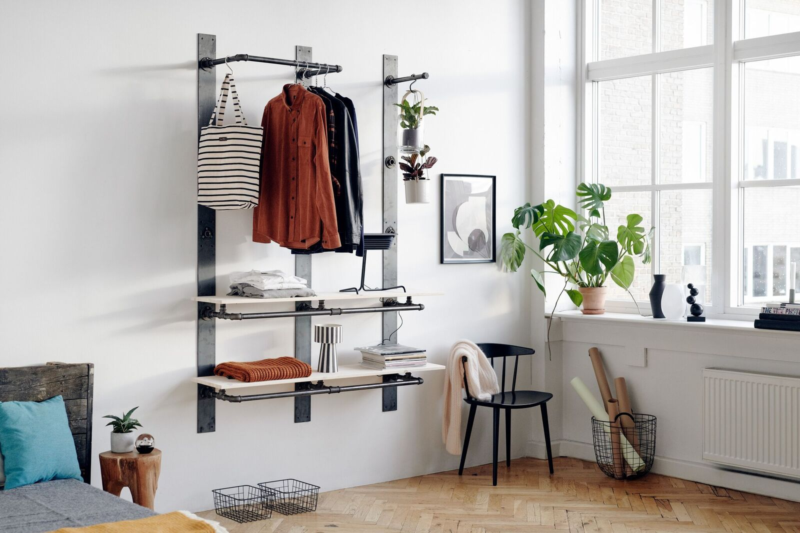 RackBuddy Elements - smart storage systems with rails and wooden shelves