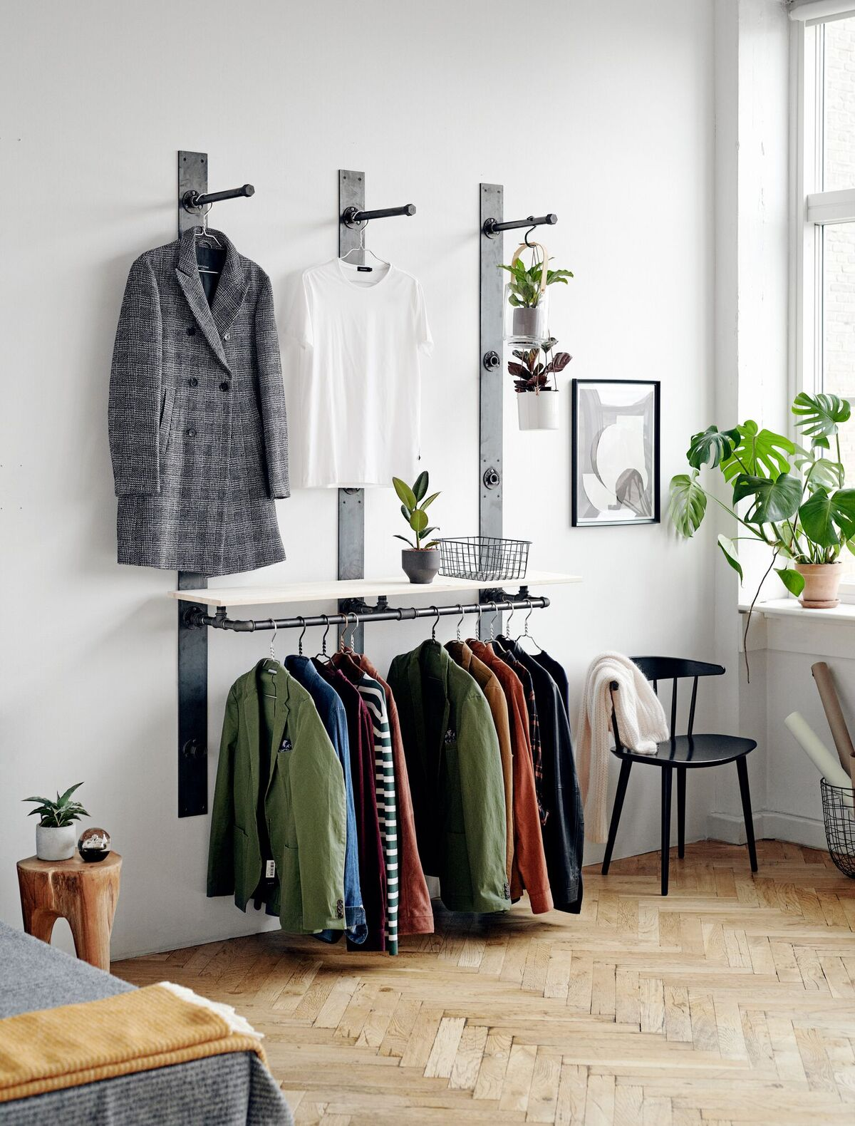 RackBuddy Elements wardrobe solution - hang your clothes on hooks