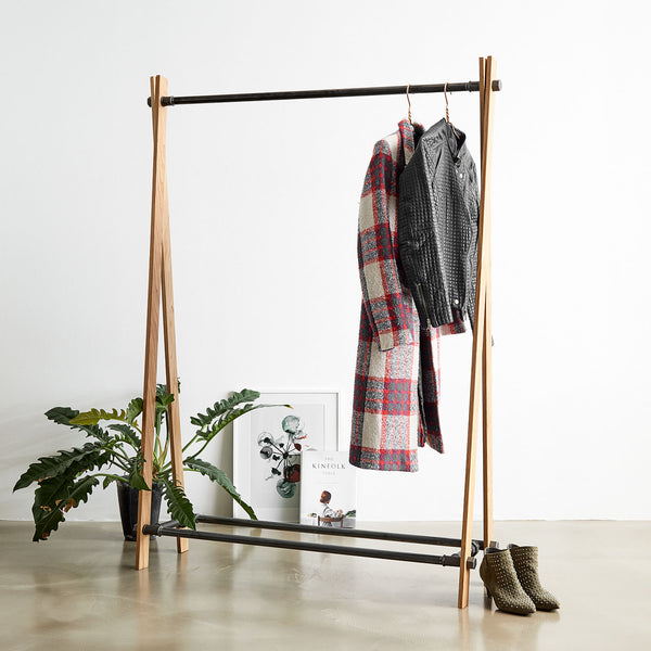 RackBuddy Odin - Clothes rack in natural oak and black iron