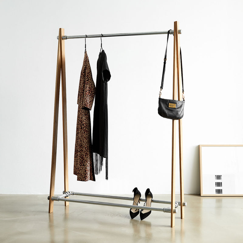 RackBuddy Sif - Clothes rack in natural oak and silver iron