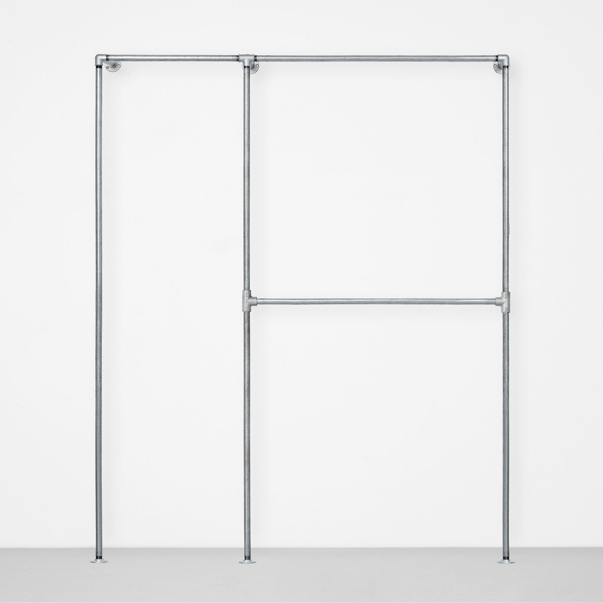 Silver walk-in solution. The perfect minimalistic look with an industrial twist. Comes in different sizes so you can create the wardrobe to fit your exact space.