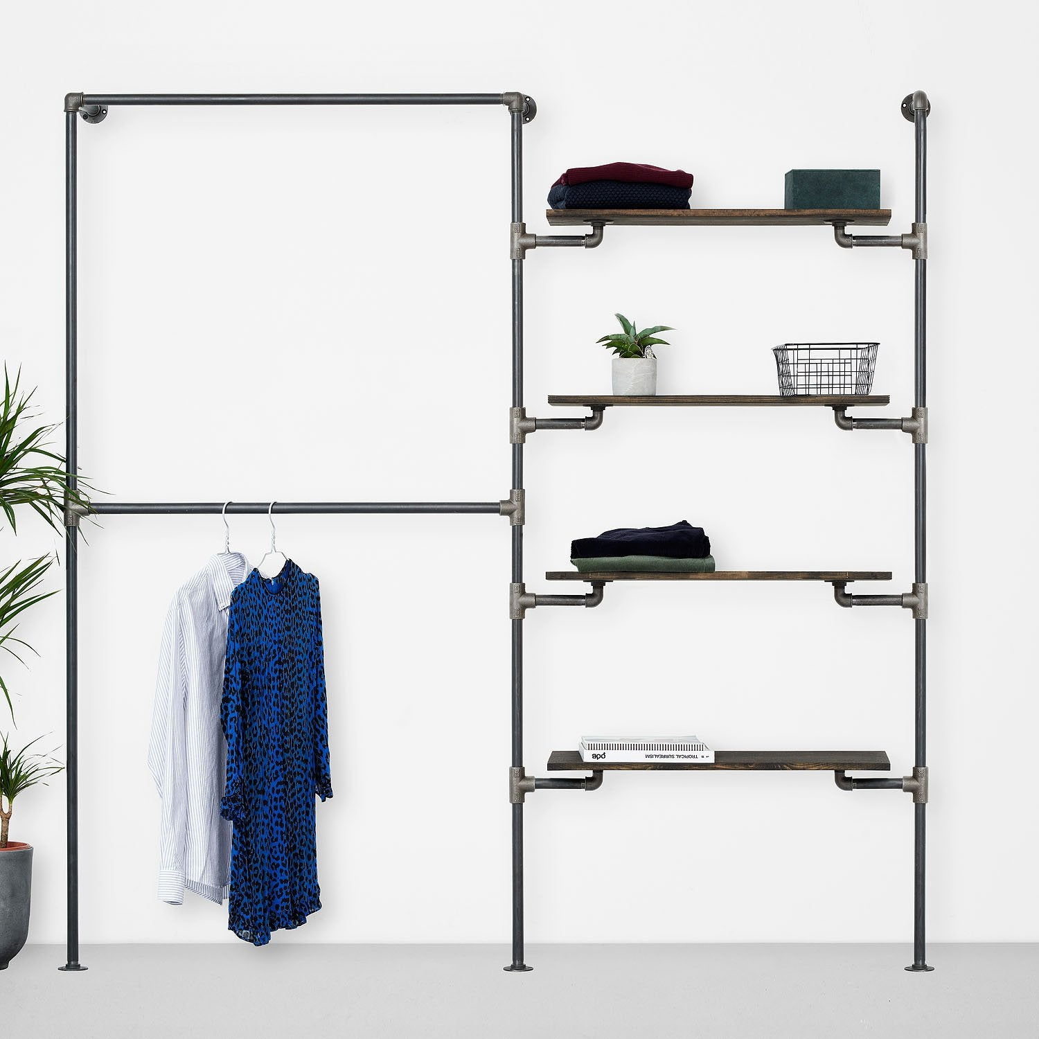 The Walk-In 2 row wardrobe system - 2 rails/ 4 shelves
