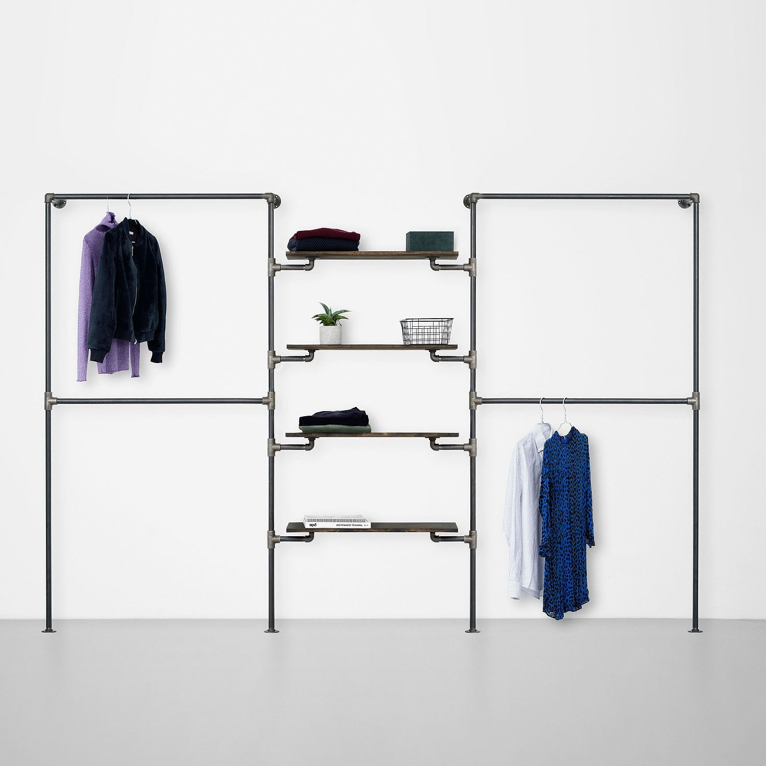 The Walk-In 3 row wardrobe system - 2 rails / 4 shelves / 2 rails