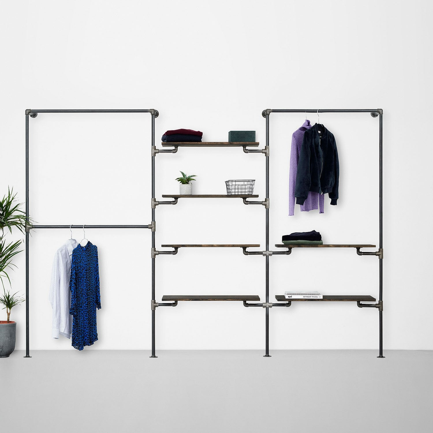 The Walk-In 3 row wardrobe system - 2 rails / 4 shelves/ 1 rail, two shelves
