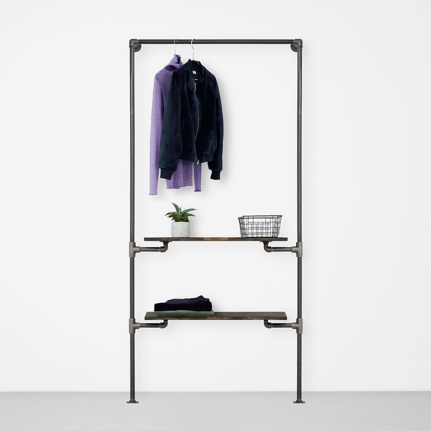 The Walk-In 1 row wardrobe system - 1 rail & 2 shelves
