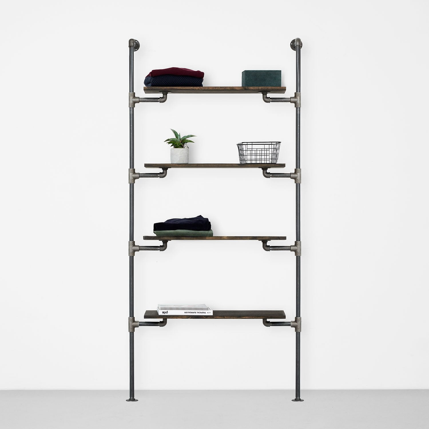 The Walk-In 1 row wardrobe system - 4 shelves