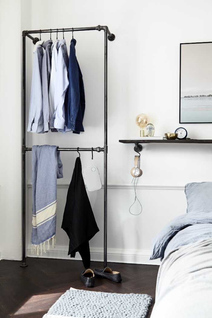 RackBuddy Bob Steele - Robust clothes rack made of black water pipes