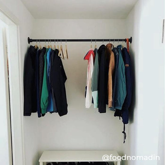 RackBuddy Logan - Wall-mounted clothes rail between two walls