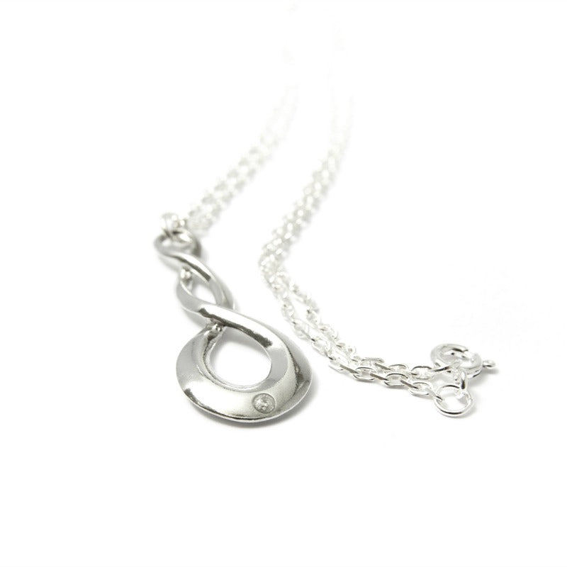 Twisted tin hoop pendant with diamond stud