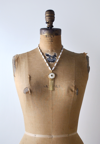 1970's White & Gold Beaded Pendant Necklace